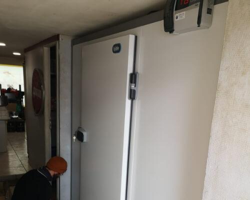 PizzBoro Puilboreau montage d'une chambre froide