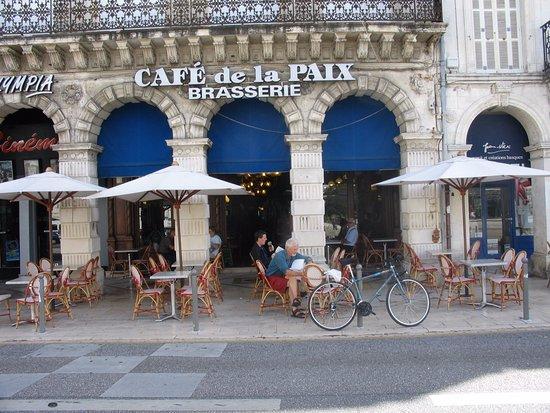 Cafe-de-la-paix